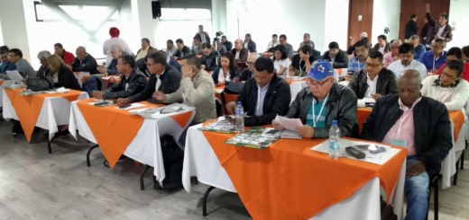 Carlos Rivas presidente de Fecode entrego informe del acuerdo con el Gobierno (3)