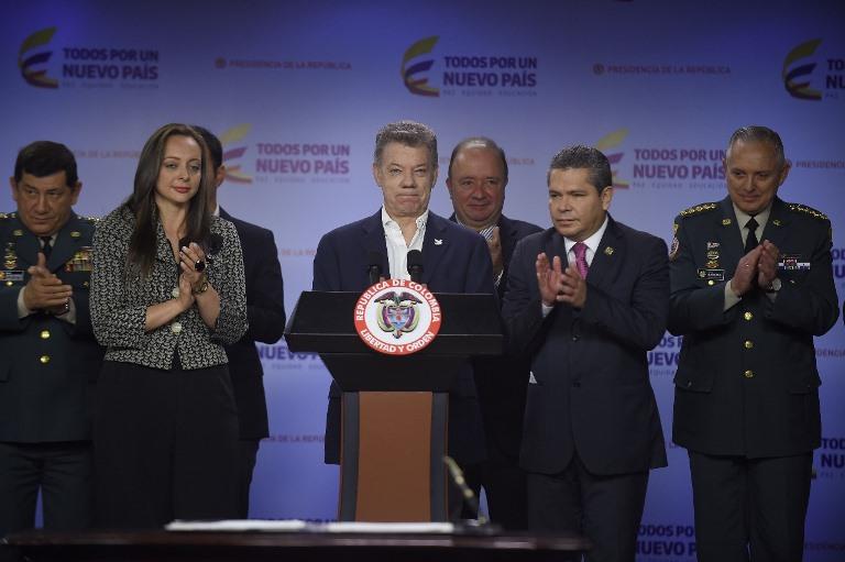 Ministro de Defensa, Luis Carlos Villegas, y los altos mandos Militares y la Policía Nacional, y de la Representante a La Cámara por el Partido MIRA, Ana Paola Ag (1)
