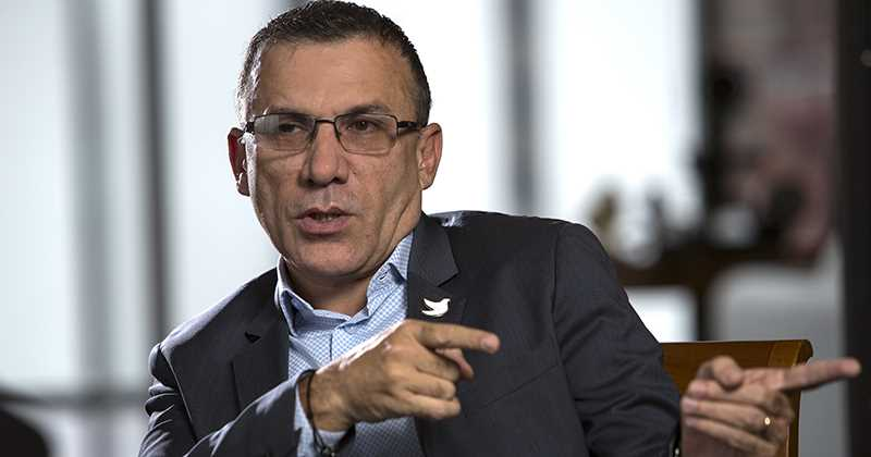 Roy Barreras anuncia que se va de la U y propone referendo para revocar a Duque